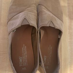 Size 8 suede Tom shoes